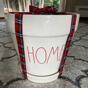 "Rae Dunn red ""HOME"" planter NEW 🎁🎄"